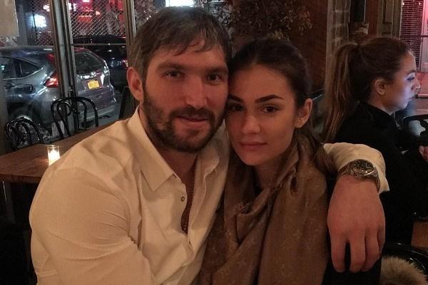 Александр Овечкин с супругой