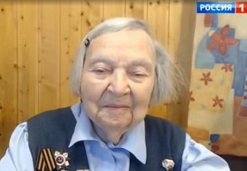 97-летняя петербурженка познакомилась с семьями погибших врачей, которым оказала помощь