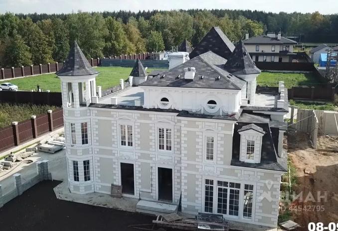 Стоимость этого дома составляет более 20 миллионов рублей