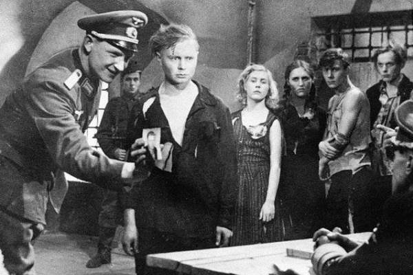 «Молодая гвардия» прославила всех участников картины