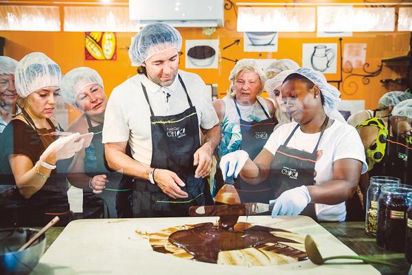 В Доминикане производят лучший в мире какао. Представляете, какой из него получается шоколад!