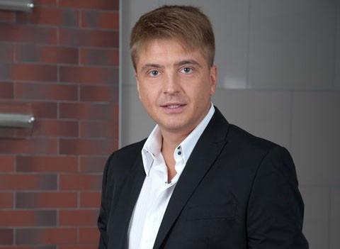 Продюсер Витаса осудил бывшую жену Армена Джигарханяна