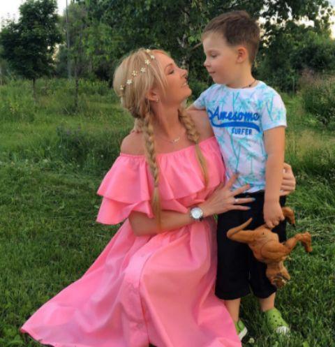 Дарья Пынзарь с сыном Темой