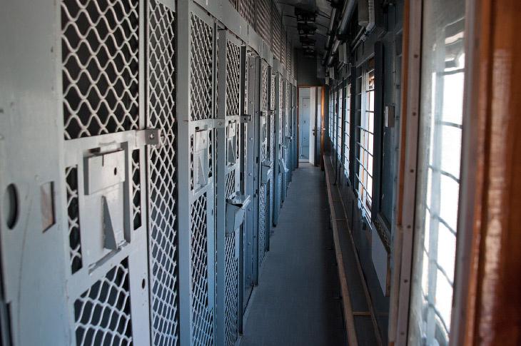Так выглядят вагоны, в которых этапируют заключенных