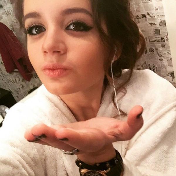 16-летняя Саша мечтает стать телеведущей или актрисой