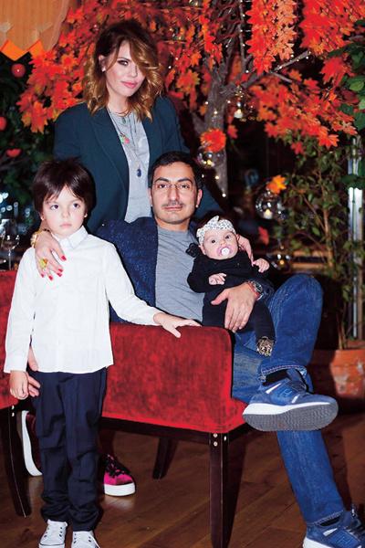 Анастасия с мужем Сергеем, сыном Сашей и дочкой Верой