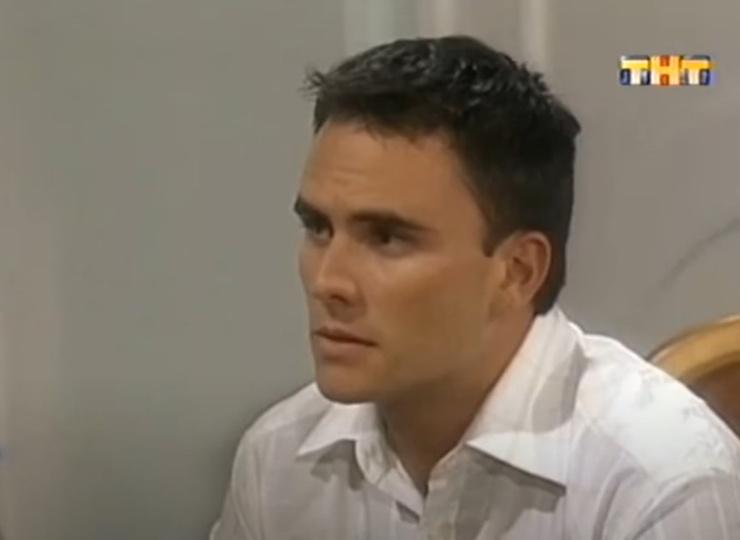 Хуан сыграл Орестеса в 25 лет