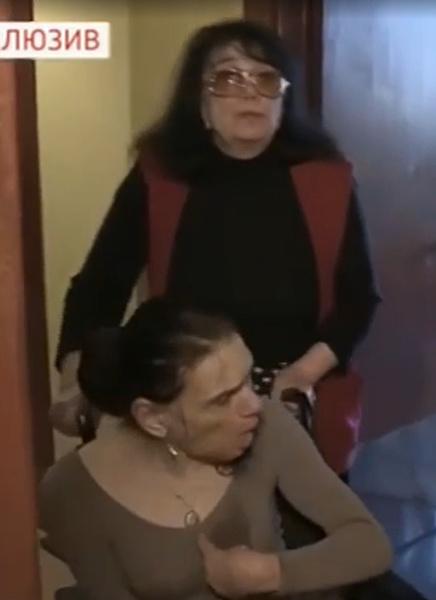 Первое появление больной ДЦП дочери Баталова на интервью после скандала с квартирой