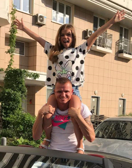 Суд поставил точку в алиментном споре Дмитрия Тарасова с бывшей женой