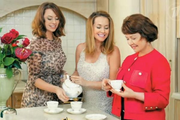 Наталья и Жанна Фриске с мамой