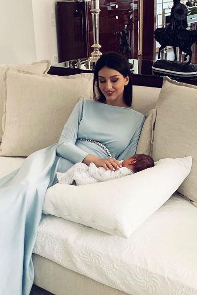 В мае 2019 года Оксана подарила мужу сына
