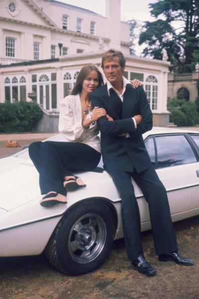 Роджер Мур играл агента 007 до 57 лет
