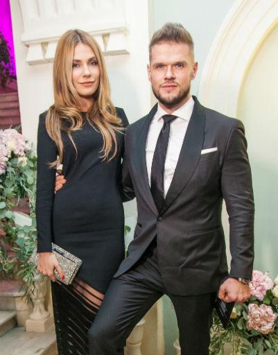 Владимир Яглыч с девушкой Антониной Паперной