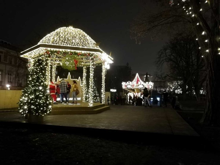 Атмосфера рождественской сказки все равно витает в воздухе