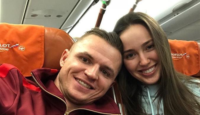 Дмитрий Тарасов приехал в роддом без жены