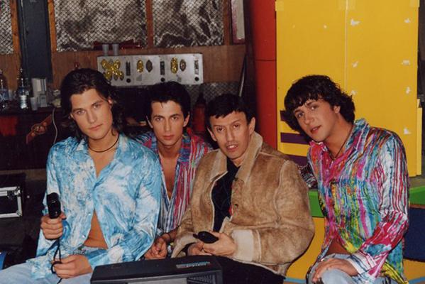 В 1998 году публике была представлена группа «Динамит»