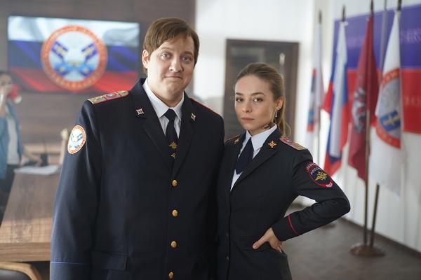 Роман Попов в роли следователя Мухича