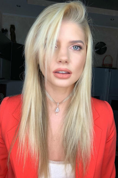 Известные журналы неоднократно признавали Анастасию самой сексуальной актрисой России