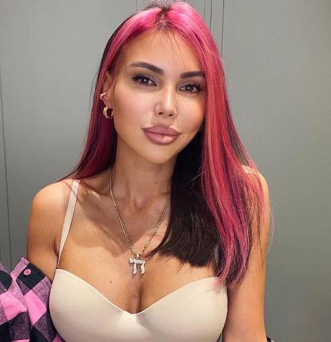 Покупательницы пожаловались на косметику бренда Оксаны Самойловой