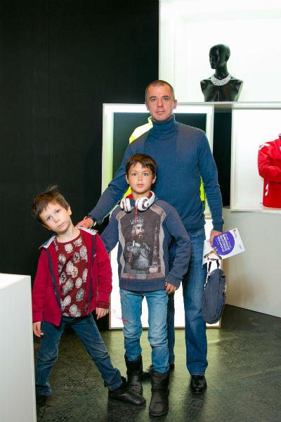 Игорь Петренко с сыновьями Матвеем и Корнеем