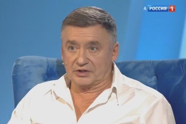 Антон Табаков рассказал об отношениях с отцом