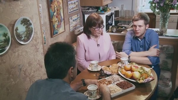 Тимур Кизяков общается с Борисом Корчевниковым и его матерью