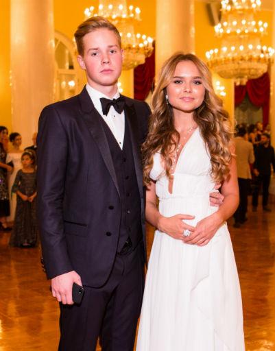 Стефания Маликова с молодым человеком Леонидом