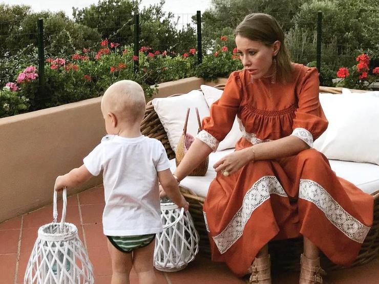 Жених Ксении уже давно познакомился с ее сыном Платоном