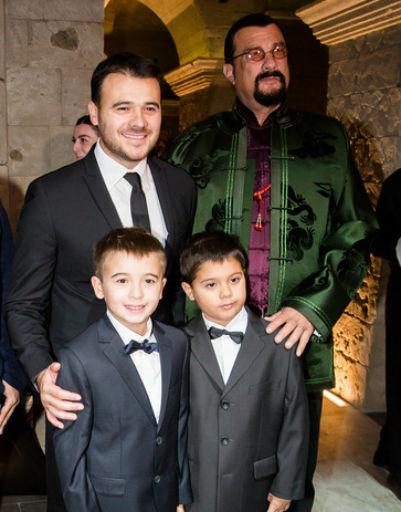 Стивен Сигал и Эмин Агаларов с сыновьями