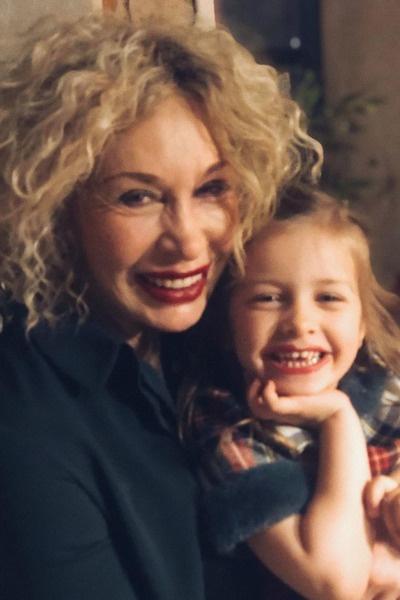 Васильева продолжает работать, чтобы помогать детям и внукам