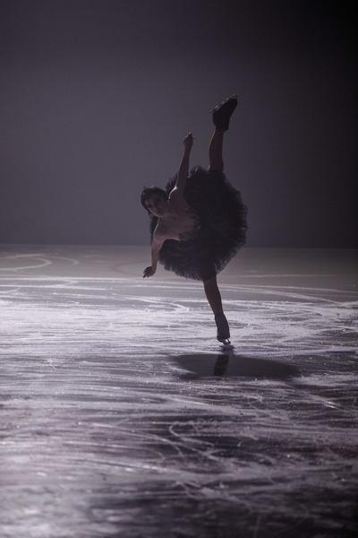 Стиль жизни: Евгений Плющенко и Яна Рудковская представят шоу «Лебединое озеро» на льду – фото №3