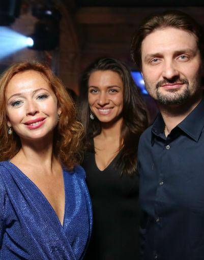 Елена Захарова и Эдгард Запашный со спутницей
