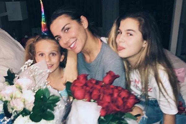 Анна Седокова встречается со средней дочерью лишь в присутствии чужого человека