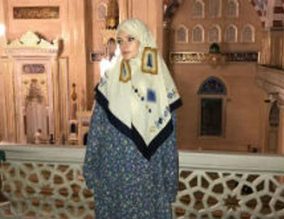 Лиза Пескова сменила откровенные платья на хиджаб