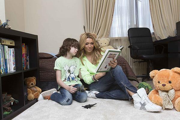 В детской есть игрушки, книги, но главный для ребенка все-таки компьютер