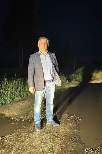 Адвокат актера Эльман Пашаев проехал 800 км по Рязанской области, но так и не установил контакт с родственниками погибшего