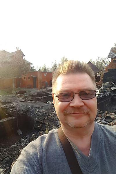 Шоумен на месте, где еще полгода назад стояла его двухэтажная дача