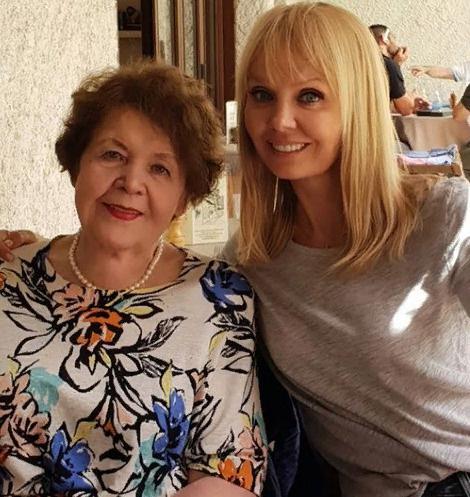 Мама Валерии заметно похудела в последнее время