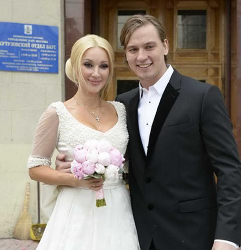 Макаров и Кудрявцева расписались 8 июня 2013 года