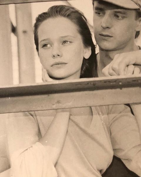 Елена впервые появилась на большом экране в фильме «Ха-би-ассы»