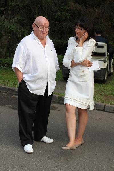 Рудинштейн часто посещает светские мероприятия с супругой