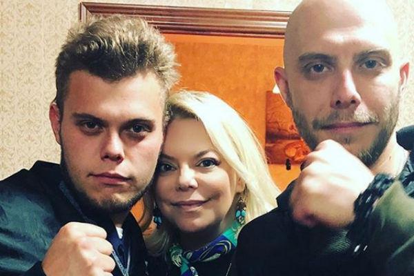 Яна Поплавская с сыновьями