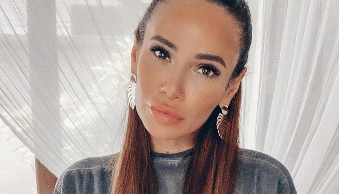 Айза Анохина уменьшила губы