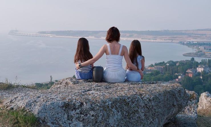 Летом прошлого года Юлия вместе с дочерями побывали в Керчи