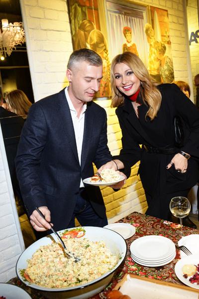 Артем Илясов и Анжелика Агурбаш