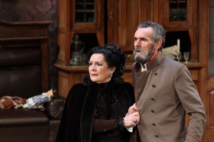 Татьяна Ткач и Сергей Заморев играли вместе в спектакле «Семейный портрет» Театра «На Литейном»