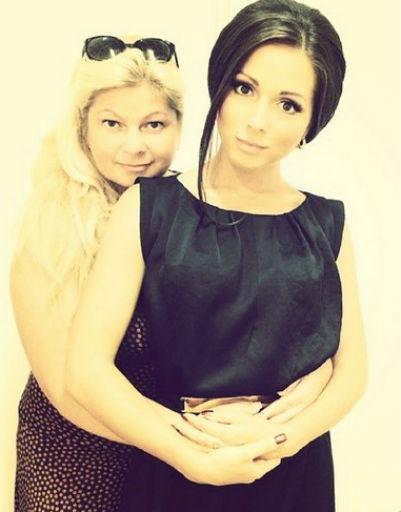 Нюша с мамой Ириной