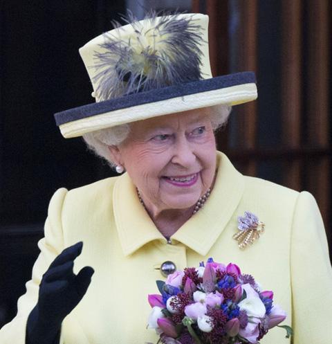 Пользователи соцсетей обсуждают смерть Елизаветы II