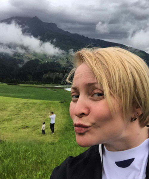 Светлана Пермякова получает удовольствие от отдыха в компании дочки и бывшего мужа