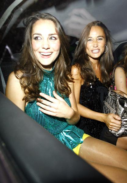 В молодости Кейт и Пиппа часто появлялись вместе на вечеринках